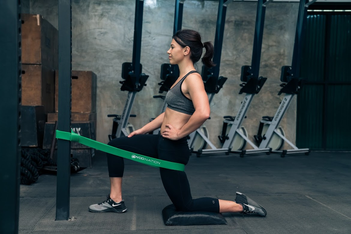 9 Essential Resistance Band Movements You Can Do Anywhere